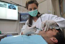 Photo of في زمن كورونا.. هكذا تحرص طبيبة أسنان في نابلس على سلامة مرضاها (شاهد)