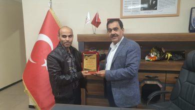 "Photo of تركيا: تقديرًا لجهوده…""طب24″ يُكرم الدكتور عيسى الخواجا"